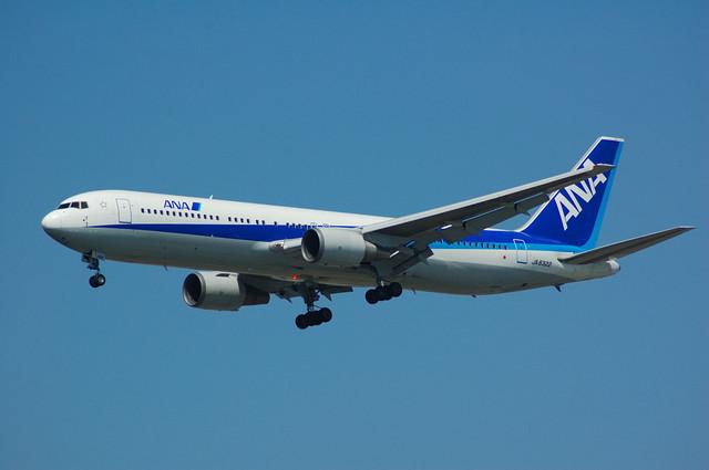 ANA Boeing767-300(JA8322)