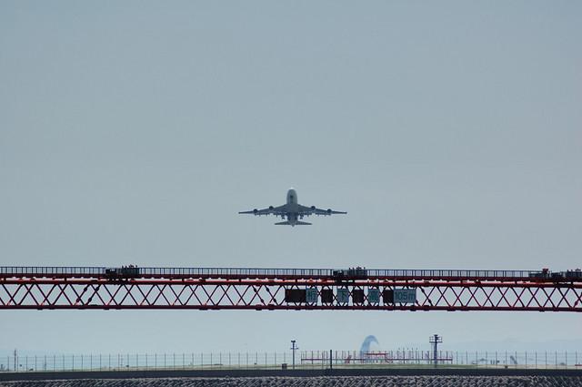 JAL B747-446(JA8073) Take Off