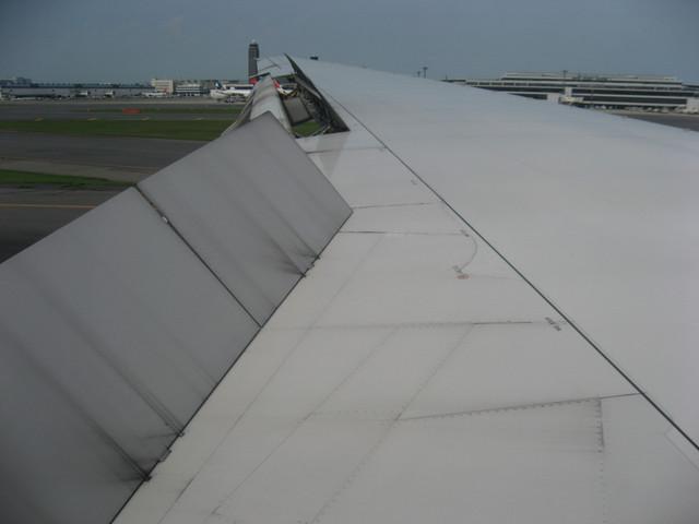 成田空港に無事着陸