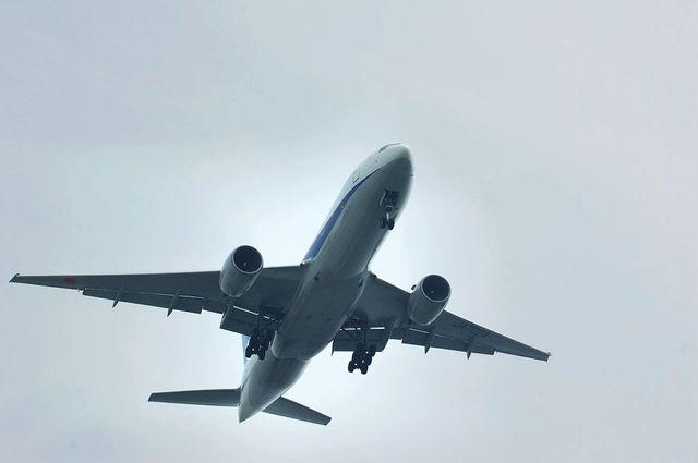 Boeing777-281