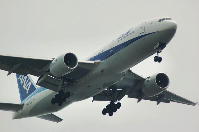 Boeing777-281 JA717A