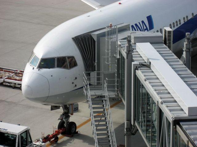 Boeing767-381(JA8359)