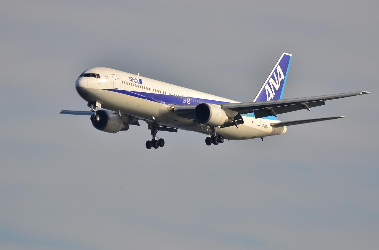 http://airman.jp/archives/2013/04/14/D72_2751.jpg