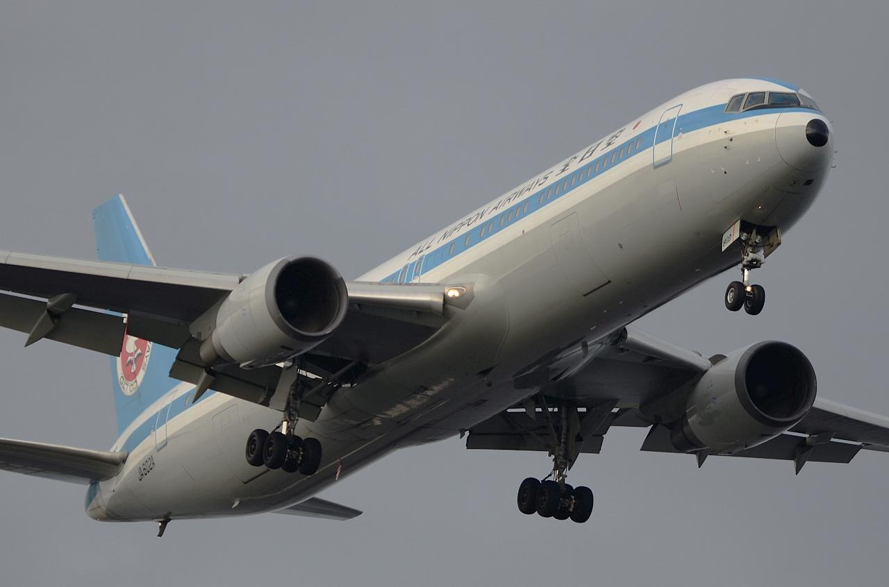 http://airman.jp/archives/2013/07/26/D72_2575.jpg