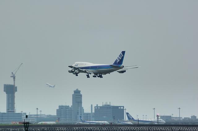 ANA Boeing747-481D(JA8099)