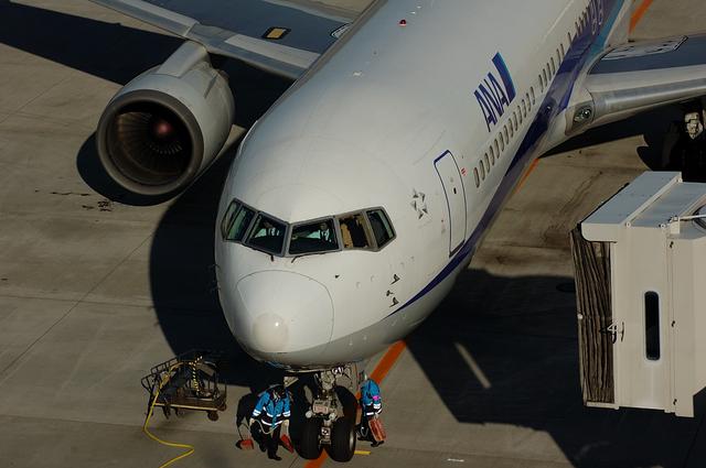 ANA Boeing767 スポット・イン