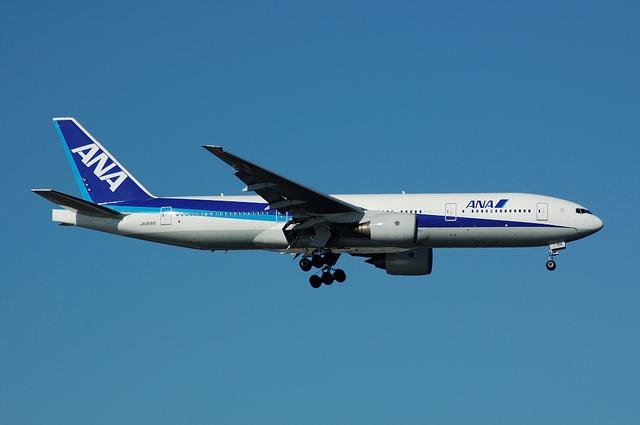 ANA Boeing777-200(JA8198)