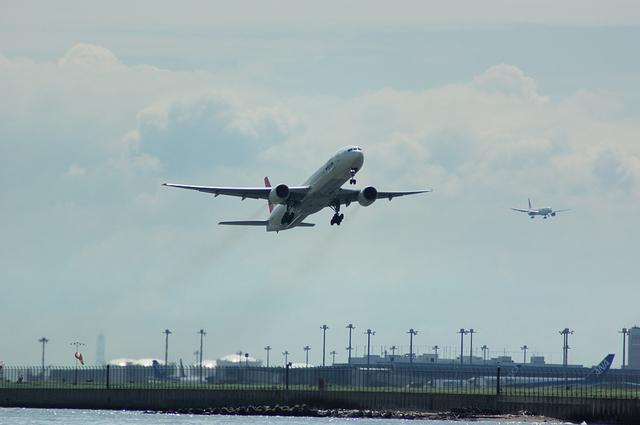 Boeing777 Take Off