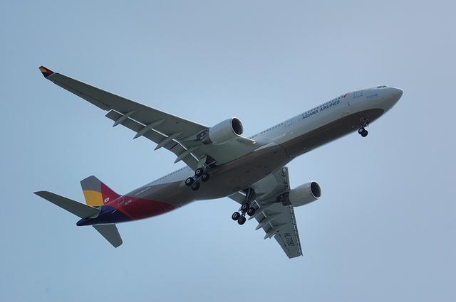 アシアナ航空 A330-323X(HL7792)