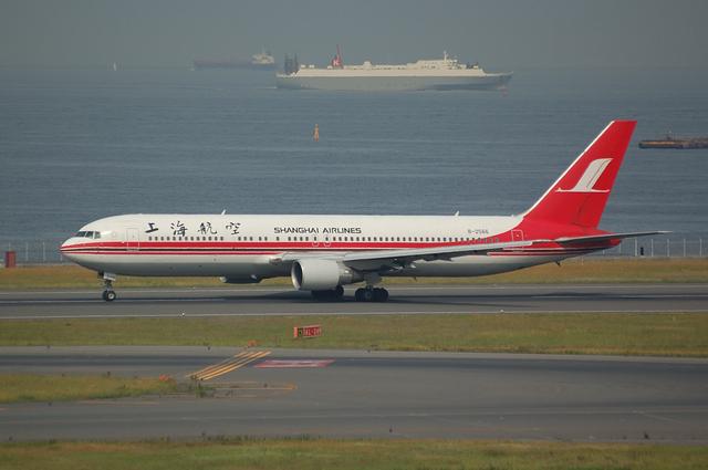 上海航空Boeing767-300離陸