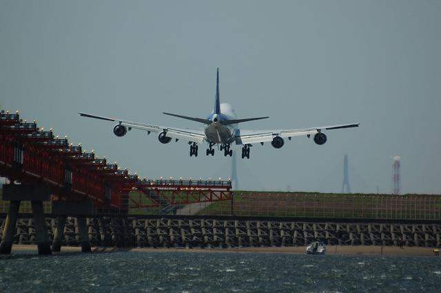 ANA Boeing747-400 Landing