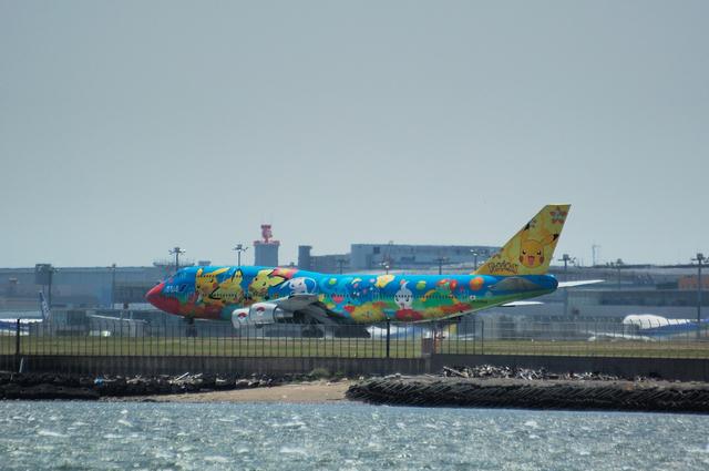 ポケモンジェット ANA Boeing747-400