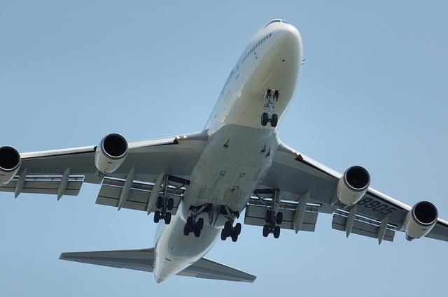 Boeing747-400D Approach