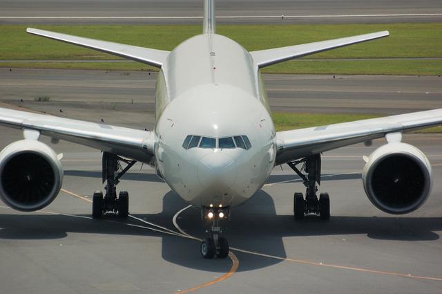 JAL Boeing777 Spot in