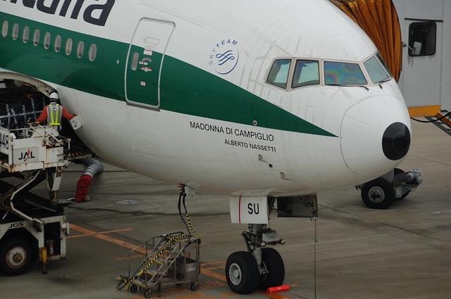 アリタリア航空 Boeing777-200 3