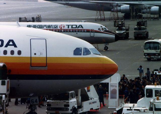 東亜国内航空 Airbus A300