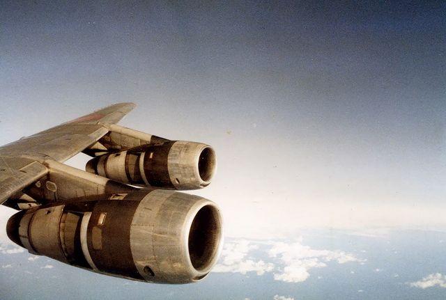 DC-8 エンジン