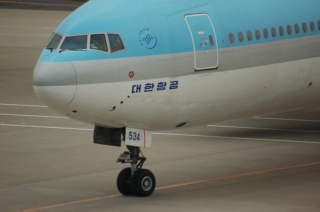 Korean Air Boeing777-300 4