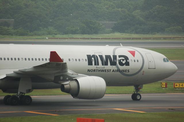 ノースウェスト航空 Airbus A330-200(N852NW)
