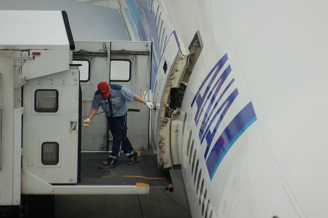 Boeing777 ドア・オープン 3