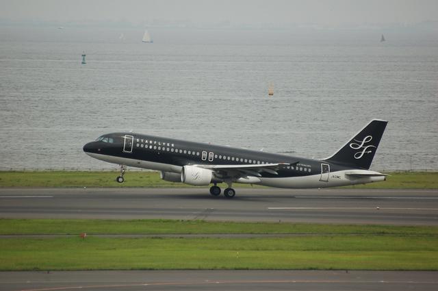 スターフライヤー A320-200