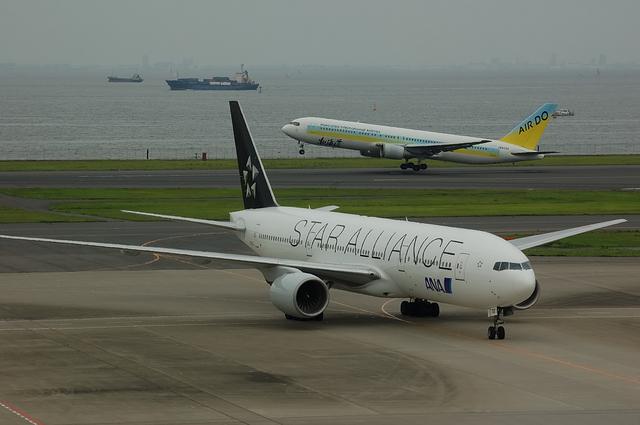 B777-200(JA712A) 到着