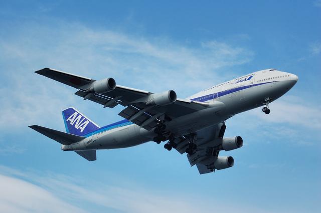 青空とBoeing747-400D