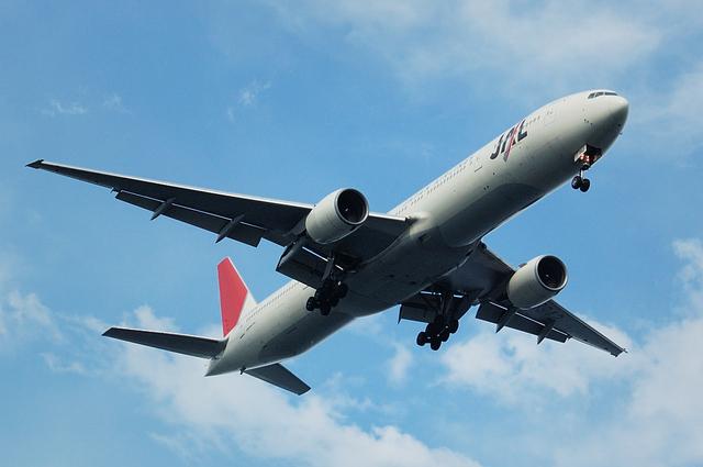 Boeing777-300(JA8942)