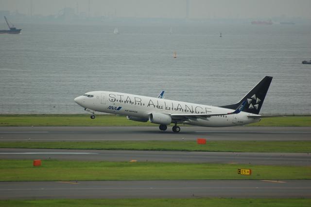 スターアライアンス Boeing737-800 離陸