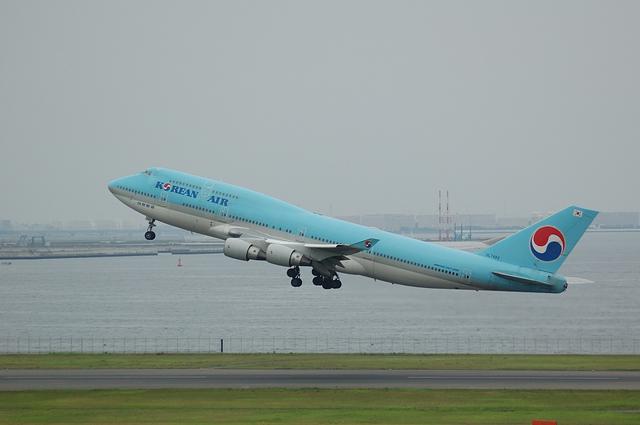 大韓航空Boeing747-400離陸