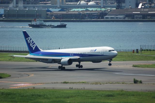 ANA Boeing767着陸