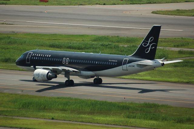 SFJ A320-200(JA03MC) 左側