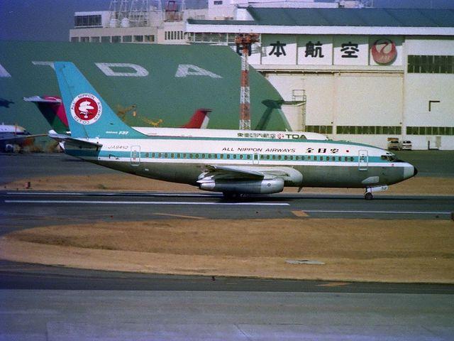 Boeing737-200(JA8452)