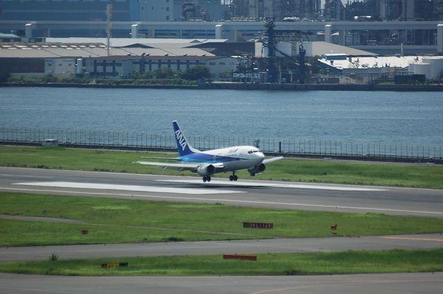 ANA Boeing737 Landing
