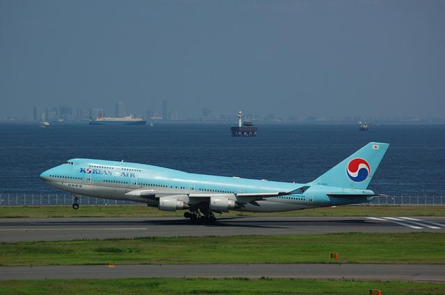 KOREAN AIR Boeing747-400 Rotation