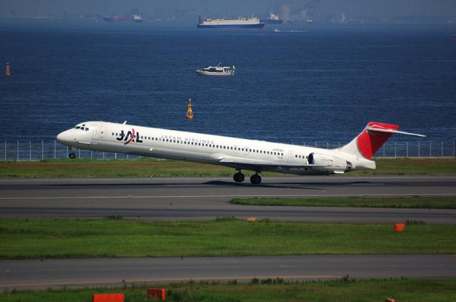 JAL MD-90-30