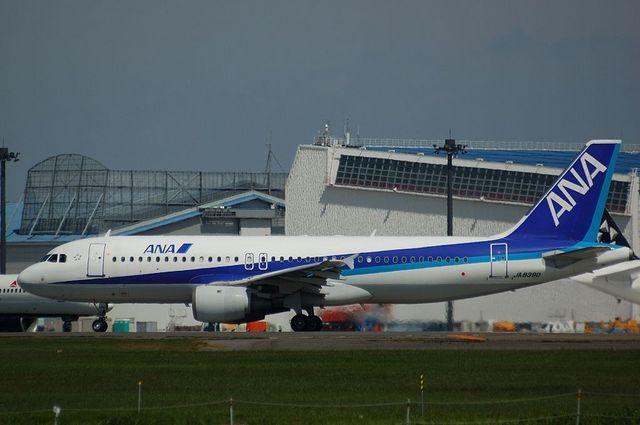 Airbus A320-200(JA8390)
