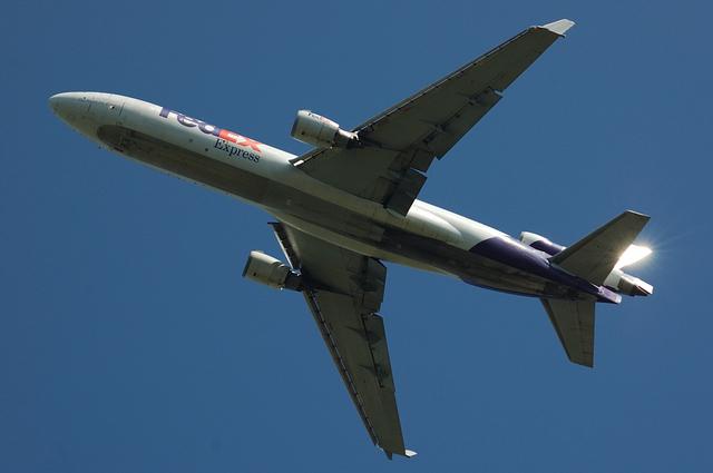 FedEx MD-11 上昇