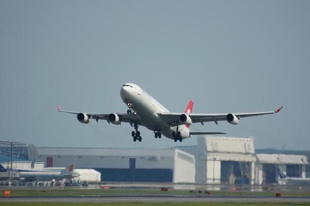 トルコ航空 Airbus A340-300 上昇開始