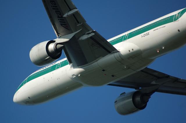 Alitalia Boeing777-200(ER) 6