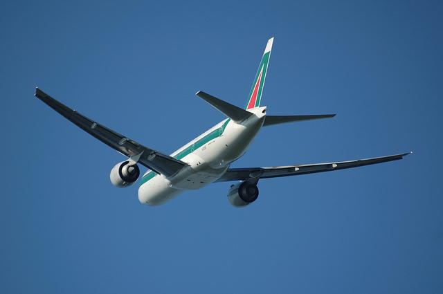 Alitalia Boeing777-200(ER) 7