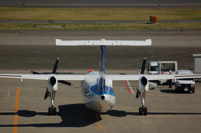 A-NET ボンバルディアDHC8-300 到着