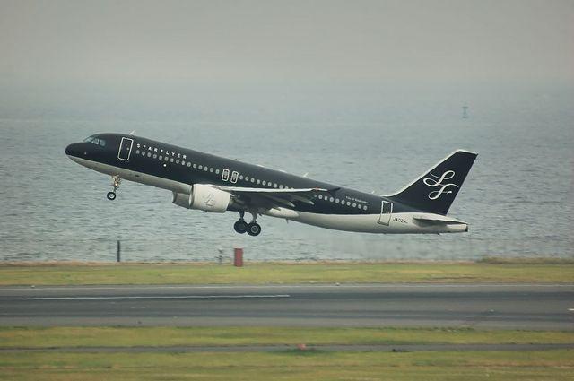スターフライヤー Airbus A320 ノーマル塗装 1