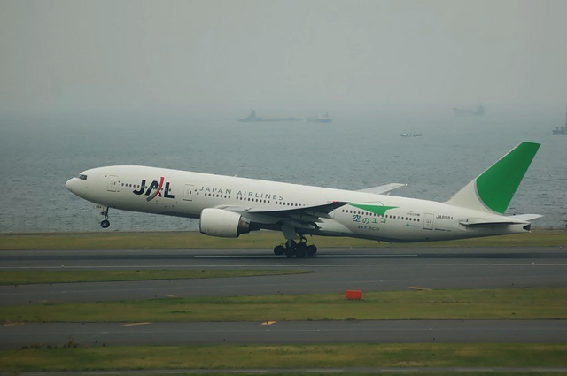 JAL エコジェット Boeing777-200 3