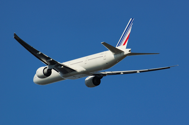 Boeing777-300ER in Blue Sky