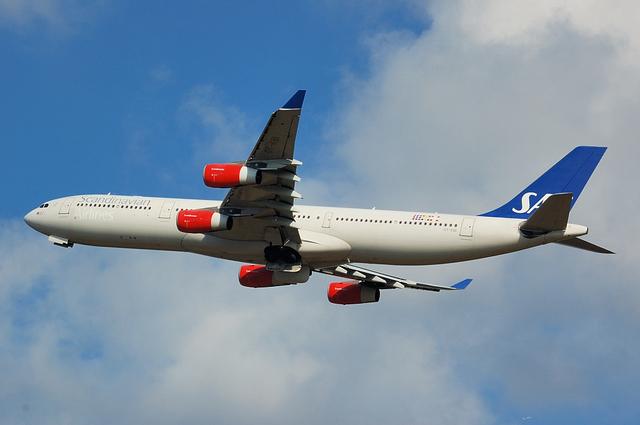 SAS Airbus A340-300 3