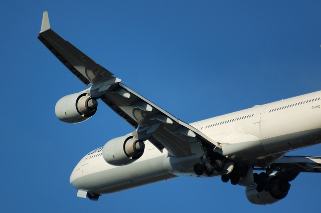 Lufthansa A340-600 4