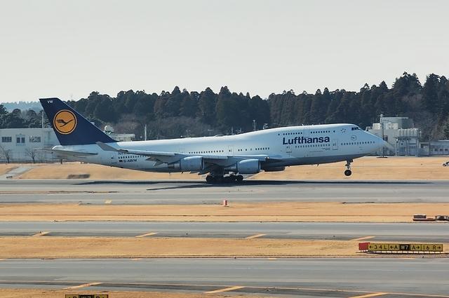 Lufthansa Boeing747-400 3