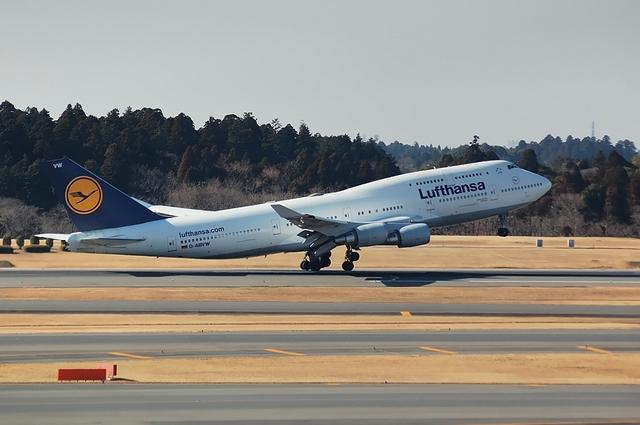Lufthansa Boeing747-400 4