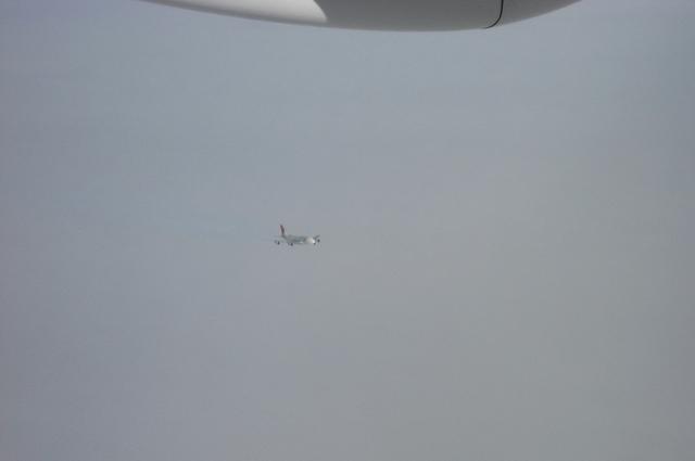 JALのBoeing747-400と交差?!